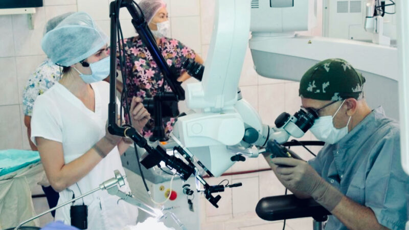 Хирургия гортани с профессором Р. Пушедду (Италия)